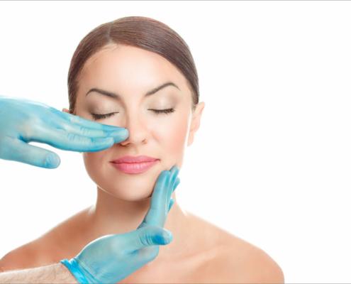 Nasen Op und Kinnoperation werden häufig gleichzeitig durchgeführt da beide in Harmonie zueinander stehen müssen um ein optimales Gesamtergebnis zu erreichen.