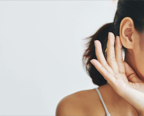 Bei einer Ohrkorrektur werden die Ohren angelegt um ein harmonischeres Bild des Gesichtes zu erzielen.